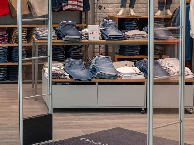 O-POSNANIA-Cross-Jeans-(4)